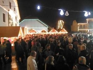 Veseli december v Sentrupertu Emin bozicno novoletni sejem Modrijani