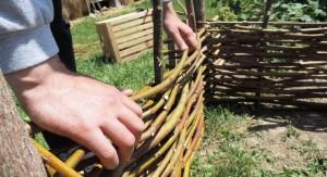 Pletenje kompostnika iz bek v flančniku